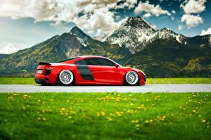 Фотографии Горы Audi Трава Облака Сбоку Красных R8 авто