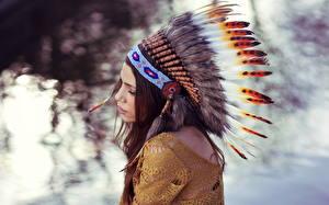 Картинка Перья Индейский головной убор Индейцы Девушки