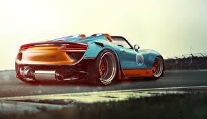 Фотография Порше Сзади Кабриолета 918 Spyder автомобиль