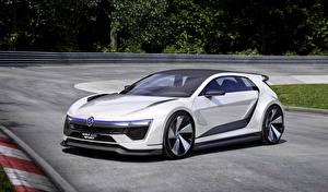 Фотографии Volkswagen Стайлинг Белая 2015 Golf GTE Sport авто