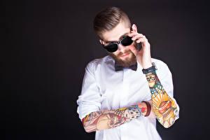 Обои Мужчины Очки Борода Татуировки Руки