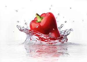 Картинка Перец Крупным планом Вода Красный С брызгами Капля Пища