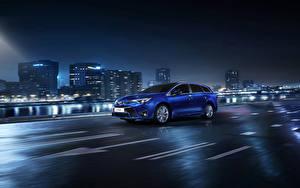 Обои Toyota Дома Ночь Синяя 2015 Avensis SW автомобиль Города