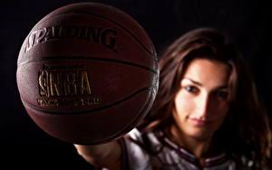 Фото Вблизи Баскетбол Мяч Девушки Спорт