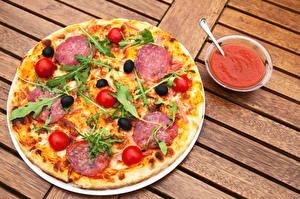 Картинка Быстрое питание Пицца Колбаса Кетчупом Еда