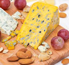 Обои Сыры Крупным планом Орехи Виноград Продукты питания
