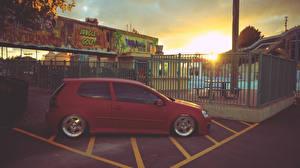 Картинка Фольксваген Сбоку Красный Парковка golf Авто