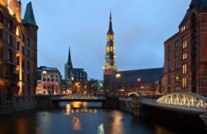 Фотография Германия Здания Мосты Гамбург Водный канал Ночные Уличные фонари Башня