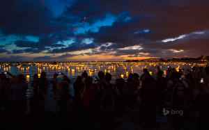 Картинки Парки Небо Люди Свечи Гавайи Уличные фонари Ночь Ala Moana Beach Park Города