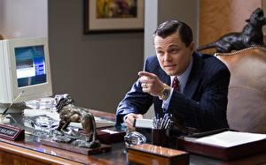 Фото Мужчины Leonardo DiCaprio Волк с Уолл-стрит Костюме Фильмы Знаменитости