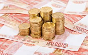 Картинка Деньги Крупным планом Монеты Рубли Купюры 5000
