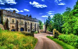 Фото Великобритания Замки Дороги Деревья Трава HDRI Chirk Castle Города