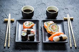 Фотография Суши Морепродукты Сервировка Палочки для еды Соевый соус