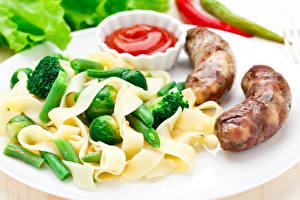 Фотография Вторые блюда Мясные продукты Овощи Сосиска Макароны Кетчуп