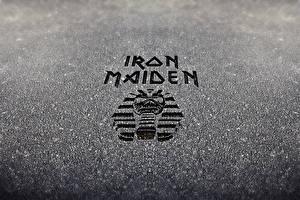 Фотография Логотип эмблема Iron Maiden Крупным планом eddie heavy metal nwobhm