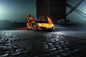 Фотографии Макларен Оранжевая Ночью MP4-12C Supercar авто