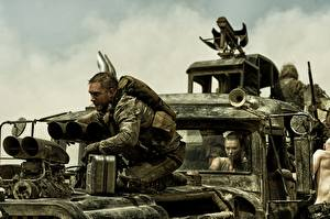 Картинки Безумный Макс: Дорога ярости Мужчины Tom Hardy Imperator Furiosa, Mad Max Кино Знаменитости