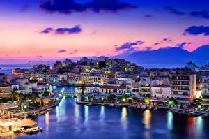 Картинка Греция Здания Речка Мосты Небо Причалы Ночные Mirabello Города