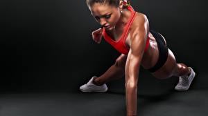 Фото Фитнес Отжимание Планка упражнение workout sportswear pushups Девушки
