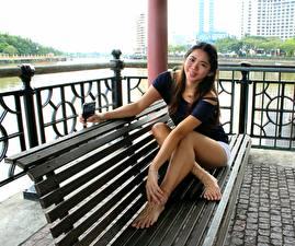 Фотография Азиаты Скамейка Ног Девушки