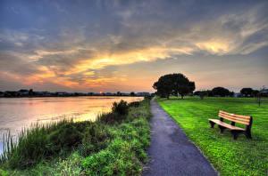 Фотографии Озеро Парки Тропа Скамейка Газоне Природа