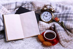 Фотографии Кофе Розы Часы Печенье Книга Продукты питания