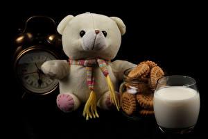 Фотографии Игрушки Мишки Печенье Молоко Часы Стакан