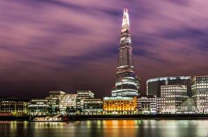 Картинка Англия Великобритания Небоскребы Реки Лондон Ночные The Shard