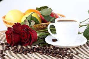 Картинки Натюрморт Розы Кофе Фрукты Чашка Зерна цветок Еда