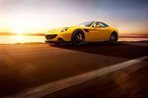 Фото Феррари Дороги Желтый Люксовые Скорость California T 2015 Novitec Rosso Автомобили