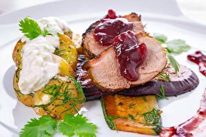 Фотография Мясные продукты Картошка Овощи Кетчуп Продукты питания