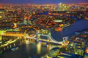 Картинка Великобритания Река Мост Англия Лондоне Ночью Сверху Города