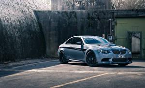Фото BMW Паркинг Белый E92 Manhart Racing MH3 V8 Biturbo m3 Автомобили