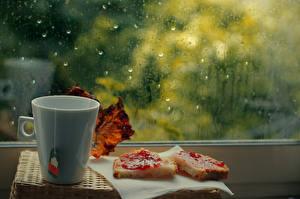 Фотография Чай Варенье Дождь Кружка Стекло Окно Продукты питания