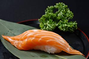 Фотографии Морепродукты Суши Продукты питания