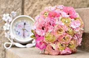 Картинки Букеты Пионы Гортензия Часы Цветы
