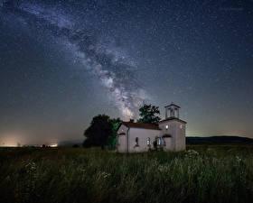 Фото Болгария Млечный Путь Небо Храмы Ночь Трава Космос Природа