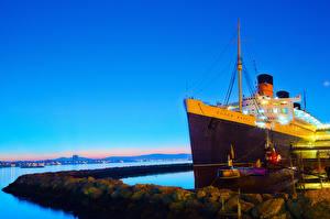 Фотография США Круизный лайнер Подводные лодки Причалы Корабли Калифорнии Orange County Queen Mary