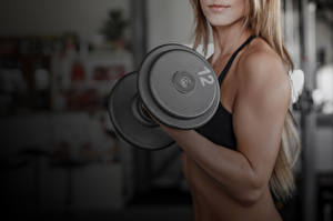 Обои Фитнес Гантели arm muscles Спорт Девушки