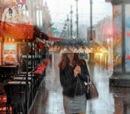 Фото Санкт-Петербург Россия Дождь Зонт Улица Города Девушки