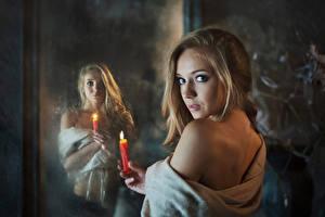 Фото Свечи Взгляд Зеркала Спины Отражение Dasha Shovkoplyas Maxim Maximov молодые женщины