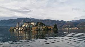 Обои Италия Озеро Дома Горы Lake Orta Orta San Giulio Города Природа фото