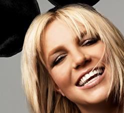 Обои Britney Spears Блондинка Улыбка Макияж Лицо Волосы Музыка Знаменитости Девушки фото