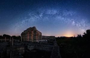 Фото Болгария Млечный Путь Звезды Небо Ночные Pliska Major basilica Природа