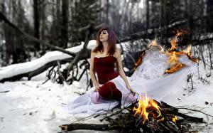 Картинки Пламя Зима Платья surrealism девушка