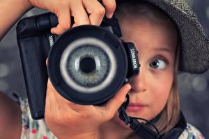 Фото Глаза Девочки Фотокамера Фотограф Дети
