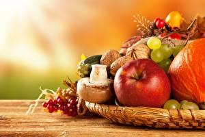 Обои Фрукты Яблоки Виноград Орехи Грибы природа Крупным планом Еда