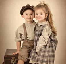 Обои Ретро Мальчишка Девочки Платья Рубашка Дети