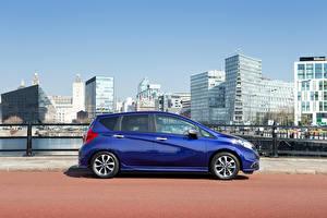 Фотография Nissan Синий Металлик Сбоку 2015 Nissan Note авто