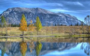 Картинки Озеро Горы Осенние Природа